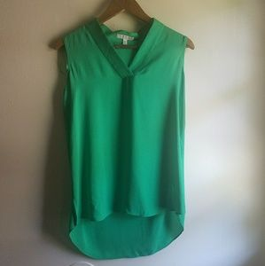 Chaus emerald green sleeveless blouse